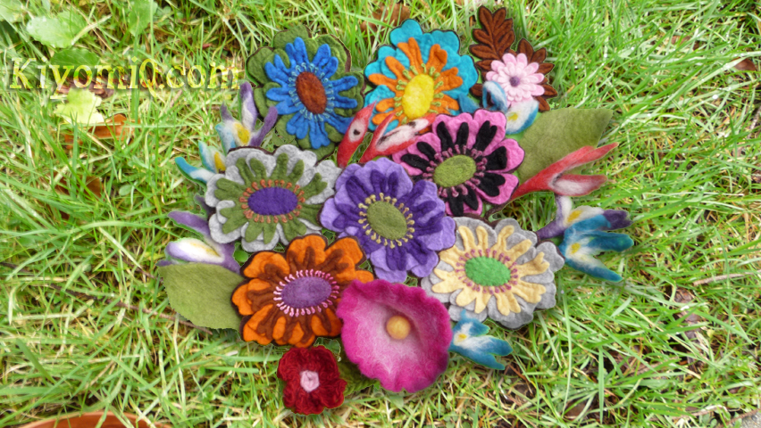 Different view of wool felt flowers